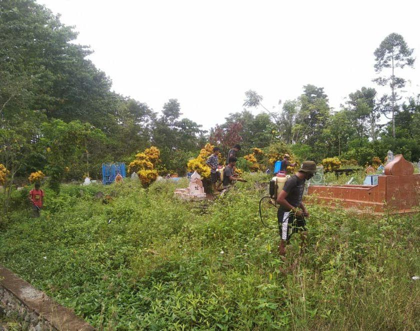KKN UMP Posko 12 Desa Bassiang Lakukan Baksos Bersama Karang Taruna